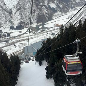 ガーラ湯沢スキー場で「こまち」と「はやぶさ」を発見!