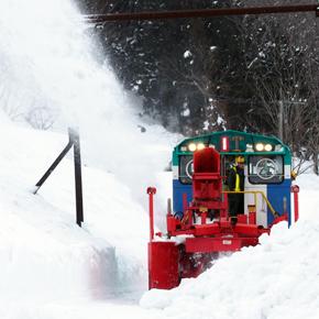 豪雪地帯を走る飯山線。除雪作業を見学してきました