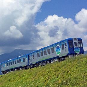 旧型客車や便利な臨時列車が増発!「信州・夏に乗りたい列車」&小海線に「HIGH RAIL 1375」デビューなど、夏の列車トピックス