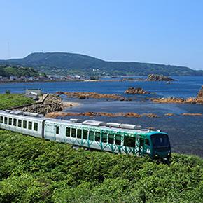 <秋田、初秋の列車旅>きらきらうえつ秋田延長ダイヤ・五能線リゾートしらかみが走ります!