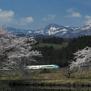 花めぐりや夜桜鑑賞。レトロな客車や足湯付き新幹線! 2018年春のイベント・リゾート列車旅